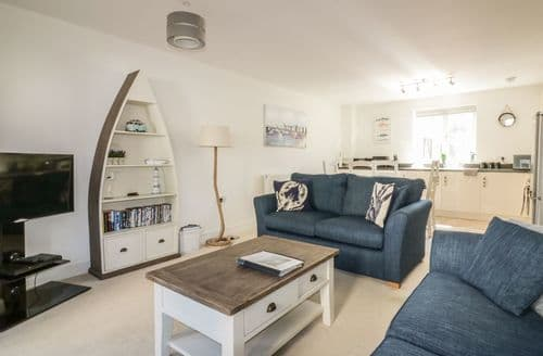 Last Minute Cottages - Wonderful Porthpean Apartment S60291