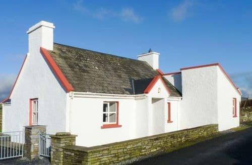Last Minute Cottages - Pakes Cottage