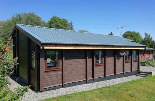 Last Minute Cottages - Luxury Lochcarron Lodge S43994