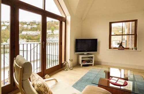 Last Minute Cottages - Charming West Looe Apartment S50121