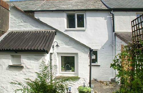 Last Minute Cottages - Cosy Minions Cottage S61007