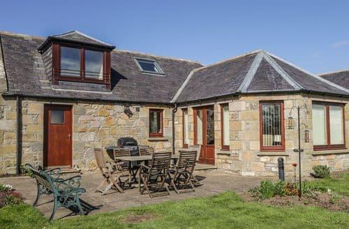Big Cottages - Tasteful Elgin Cottage S98205