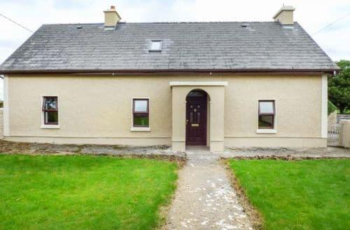 Big Cottages - Tasteful Athlone Cottage S70575