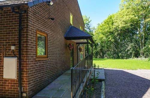 Big Cottages - Quaint Frodsham Cottage S71390