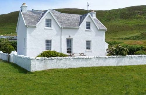 Big Cottages - Stunning Acharacle Cottage S70391