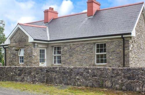 Last Minute Cottages - Tasteful Boyle Cottage S60912