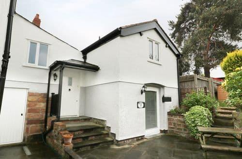 Last Minute Cottages - Excellent Frodsham Cottage S88447