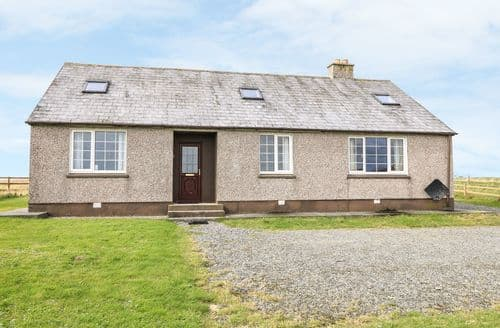 Big Cottages - Wonderful Lochmaddy Cottage S81439