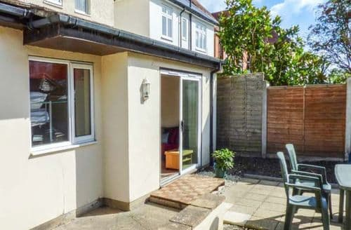Big Cottages - Delightful Bournemouth Apartment S72093
