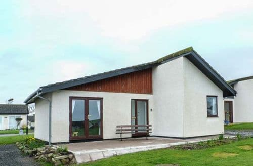 Last Minute Cottages - Excellent Isle Of Whithorn Lodge S76944