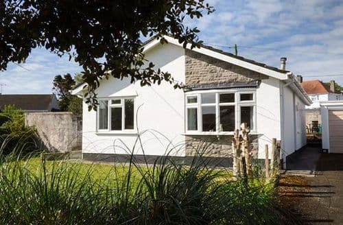 Last Minute Cottages - Cosy Penally Cottage S81103