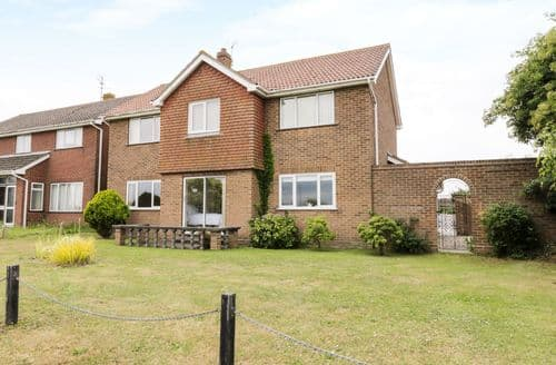 Last Minute Cottages - Cosy Walton On The Naze Cottage S84090