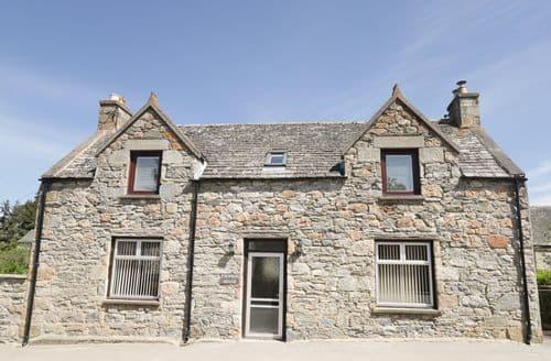 Big Cottages - Cosy Tomintoul Cottage S101081