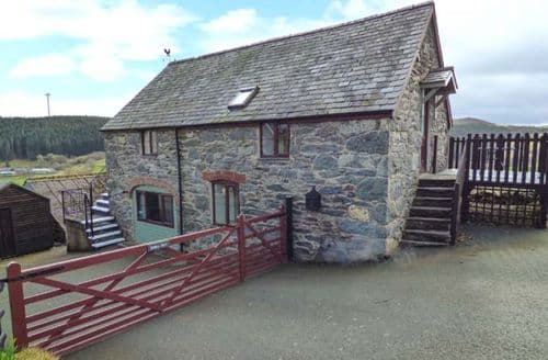 Last Minute Cottages - Charming Maerdy Cottage S77493