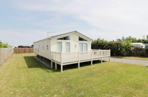 Last Minute Cottages - Cosy  Cottage S96814