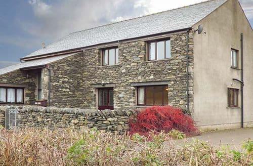 Last Minute Cottages - Cosy Plumpton Cottage S73254