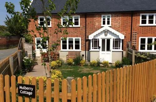 Big Cottages - Cosy Hadleigh Cottage S77026