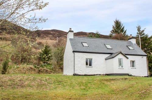 Last Minute Cottages - Gorgeous Dornie Cottage S75599