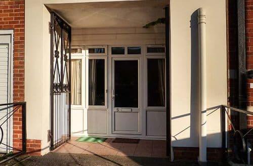 Last Minute Cottages - Gorgeous Gosport Apartment S77231