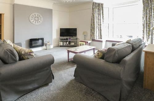 Big Cottages - Exquisite Tywyn Apartment S81840