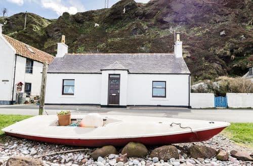 Last Minute Cottages - Cosy  Cottage S98608