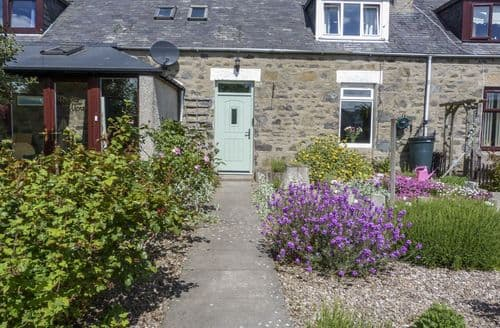 Last Minute Cottages - Attractive Inverboyndie Cottage S81787
