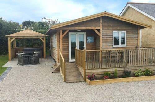 Last Minute Cottages - Tasteful St. Day Lodge S77464