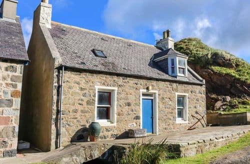 Last Minute Cottages - Delightful Gardenstown Cottage S79993