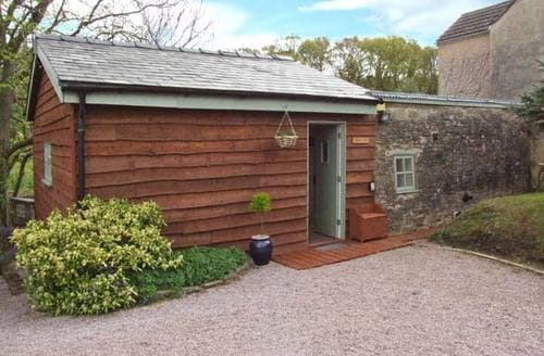 Last Minute Cottages - Appletree Barn