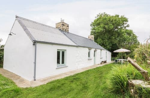 Last Minute Cottages - Inviting St. Nicholas Cottage S83311