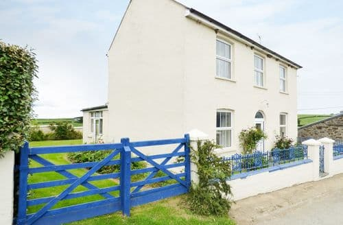 Big Cottages - Cosy Woodford Cottage S84284