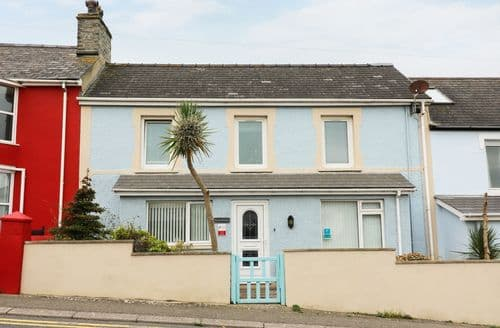 Last Minute Cottages - Excellent Aberporth Apartment S86633
