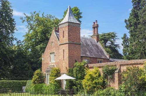 Last Minute Cottages - Charming Whitchurch Cottage S81108