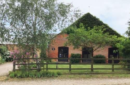 Last Minute Cottages - Beautiful Martham Cottage S81477