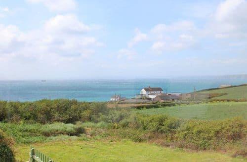 Last Minute Cottages - Superb Gunwalloe Cottage S82025