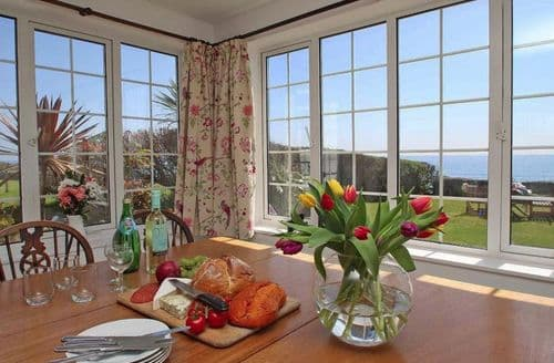 Last Minute Cottages - Wonderful Downderry Cottage S82038