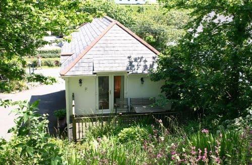 Last Minute Cottages - Superb St. Levan Apartment S82062