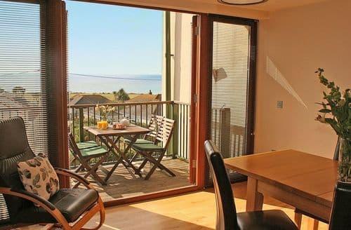 Last Minute Cottages - Exquisite Praa Sands Apartment S82144