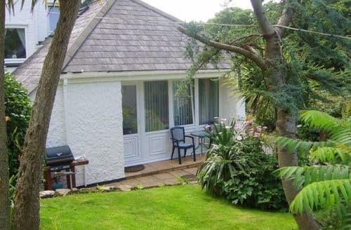 Last Minute Cottages - Exquisite Praa Sands Apartment S82141