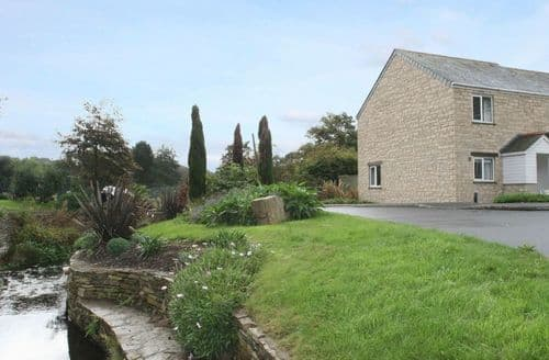 Last Minute Cottages - Lovely Maenporth Cottage S82208