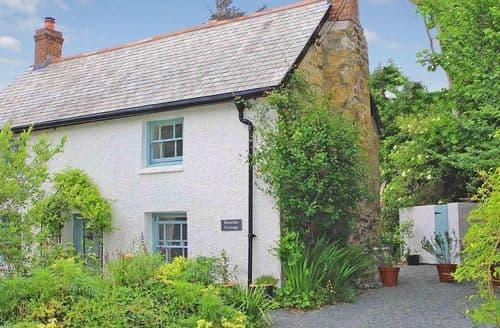 Last Minute Cottages - Wonderful Cubert Cottage S82242