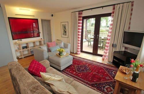 Last Minute Cottages - Luxury Cornwall Lodge S82386