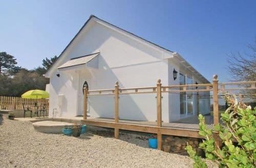 Last Minute Cottages - Barlendew Lodge