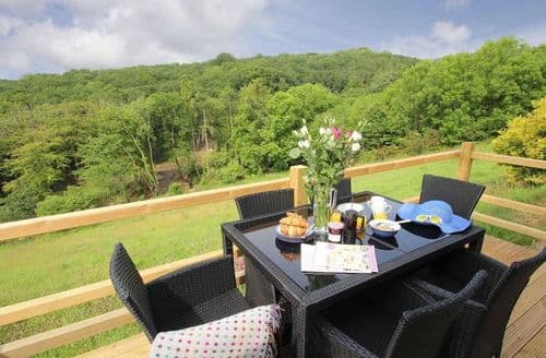 Last Minute Cottages - Lovely Cornwall Lodge S82414
