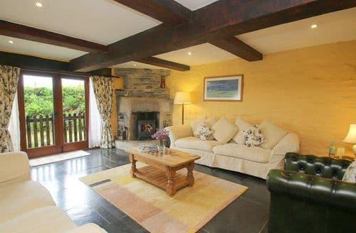 Last Minute Cottages - Captivating Helstone Cottage S82430