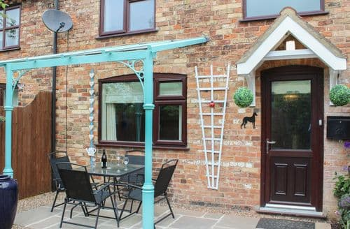 Last Minute Cottages - Attractive Alford Cottage S83021