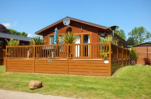 Last Minute Cottages - Exquisite Brandiston Lodge S82627
