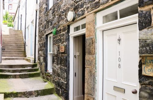 Last Minute Cottages - Superb Gardenstown Cottage S83301
