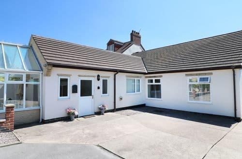 Last Minute Cottages - Gorgeous Bolsover Cottage S95156