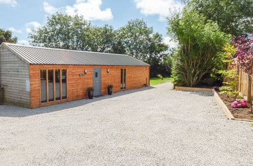 Last Minute Cottages - Wonderful St. Day Lodge S85243